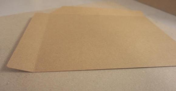 印刷牛皮纸出现纸面纵线断裂该如何解决